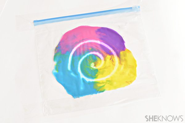 Plastic bag painting - Sensory crafts
