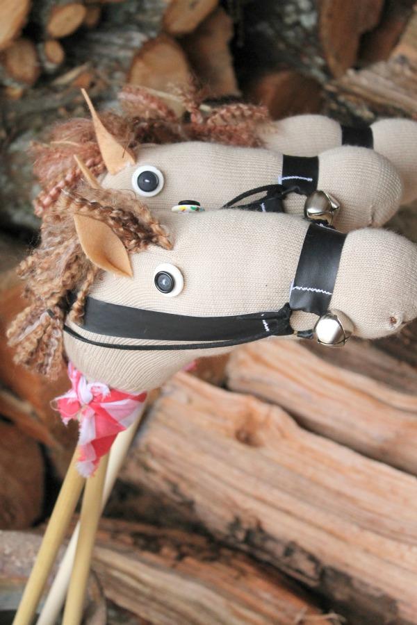 DIY-Sock-Stick-Horse