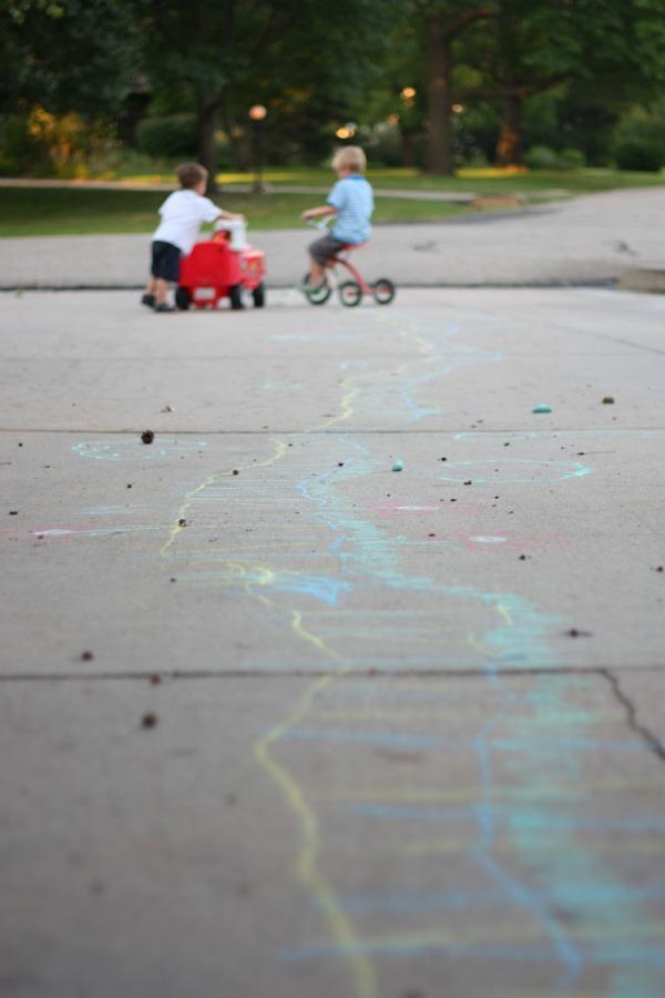 Sidewalk-Chalk-Train-Tracks
