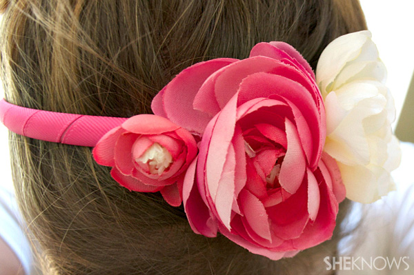 DIY Headband with flowers finished