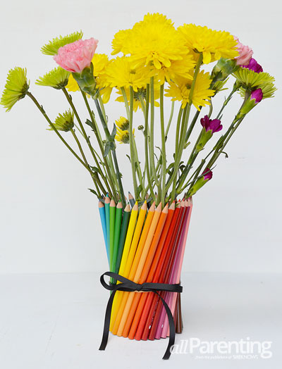 Back to school teacher gifts- colored pencil vase
