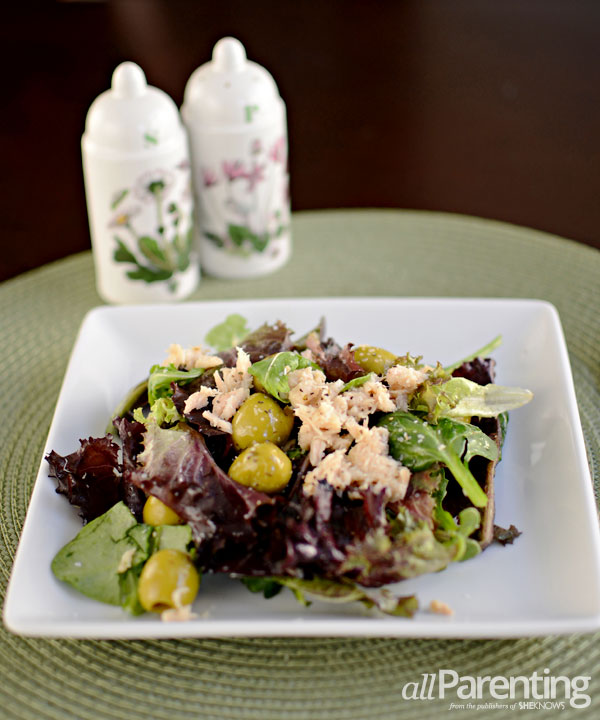 allParenting mixed greens and tuna salad