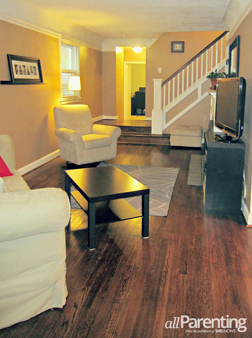 house staging tips- neutral personal free living room