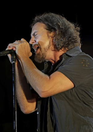 Dust off your flannel  Pearl Jam's on tour