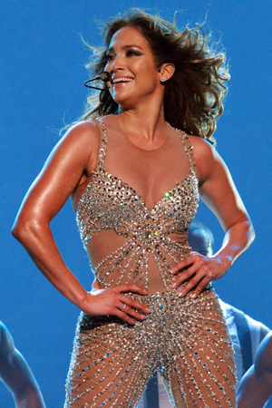 Jennifer Lopez shows off her toned body