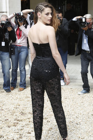 Kristen Stewart 39 S Week Of Chic Style