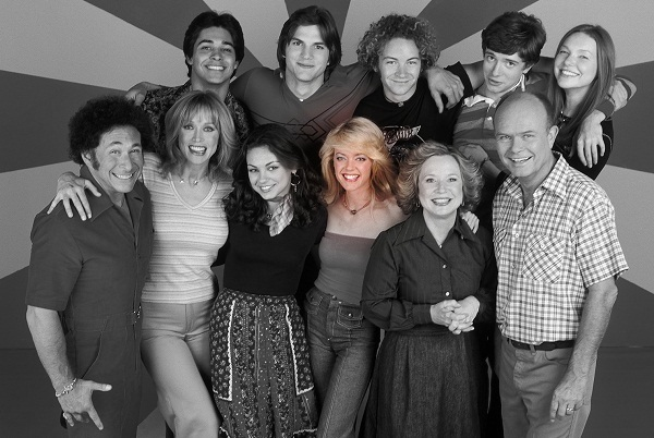 Lisa Robin Kelly and the cast of That 70's Show
