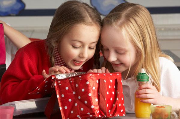 School children enjoying lunch   Sheknows.ca