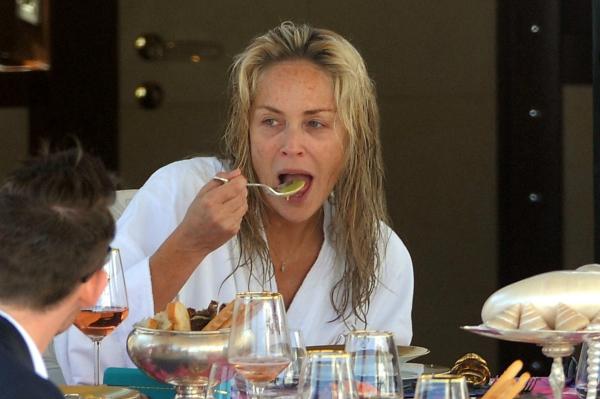 Proof that models eat!