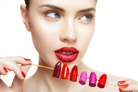 Nak tau warna lipstick yang sesuai mengikut kulitmu? Baca ni...