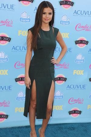 Selena Gomez shines again!