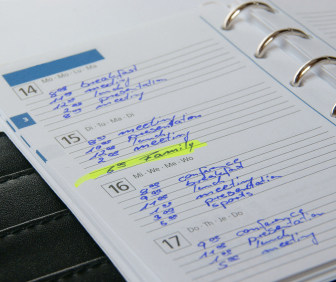 busy family schedule dayplanner