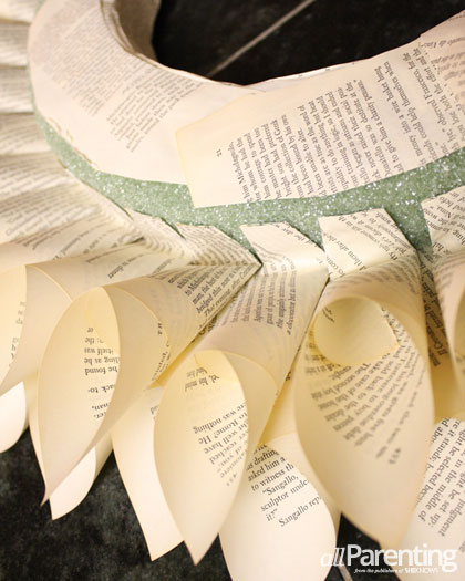 allParenting DIY paper wreath step 5