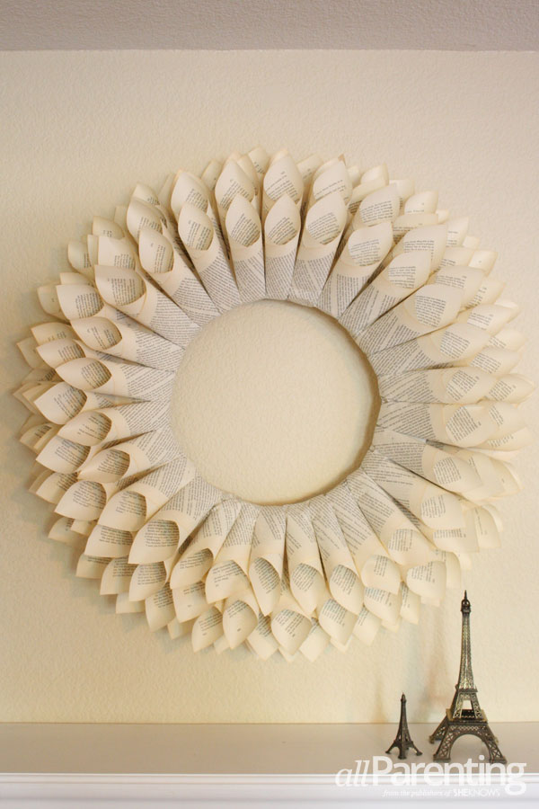 allParenting DIY paper wreath