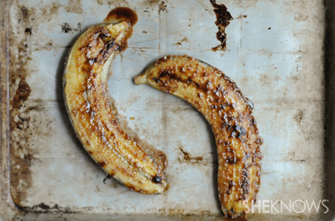 Broiled cinnamon sugar bananas