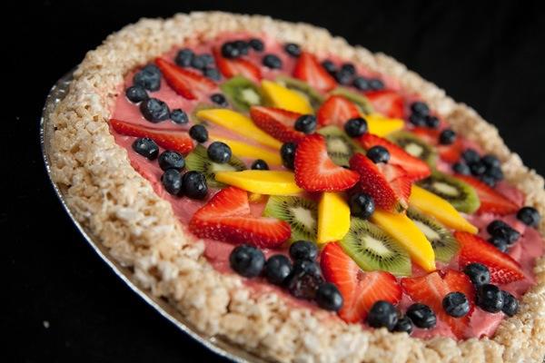 Dessert pizza for kids