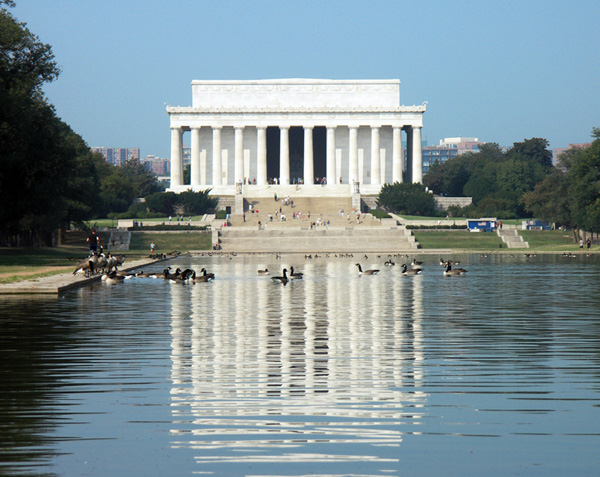 lincoln reflecting pool