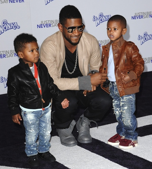 Usher with his two sons  Usher Raymond V and Naviyd Usher Raymond Sons