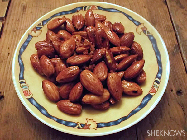 Crunchy…Spicy olive oil-fried almonds