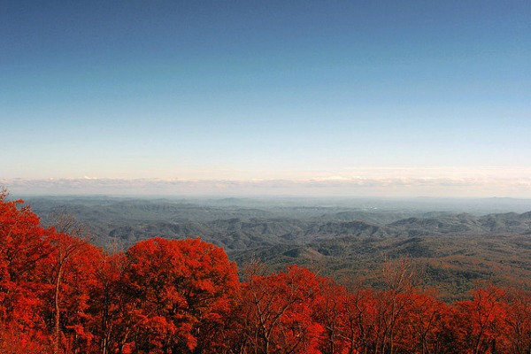 Top 10 drives to see fall colors in the U.S