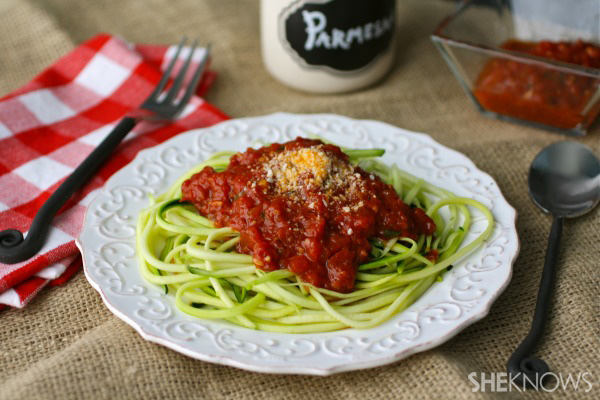 "Meatless Monday: Zucchini ""spaghetti"" with easy marinara sauce"