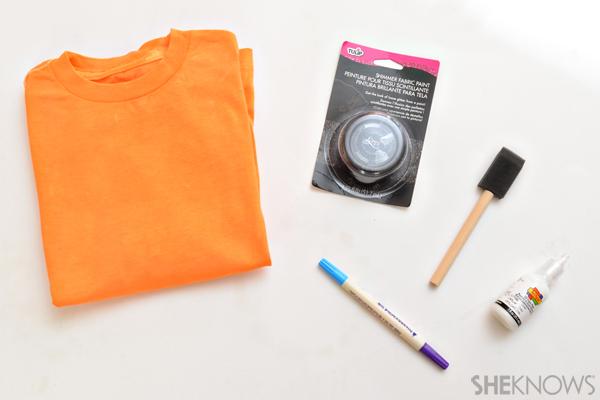 Make a cute T-shirt for Halloween