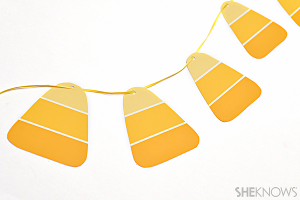 Paint chip crafts - Candy corn banner