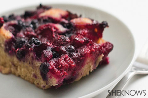 Breakfast whole wheat flour cobbler with berries