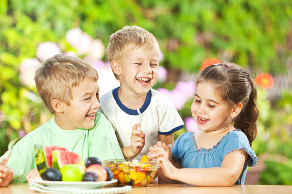 Children eating healthy