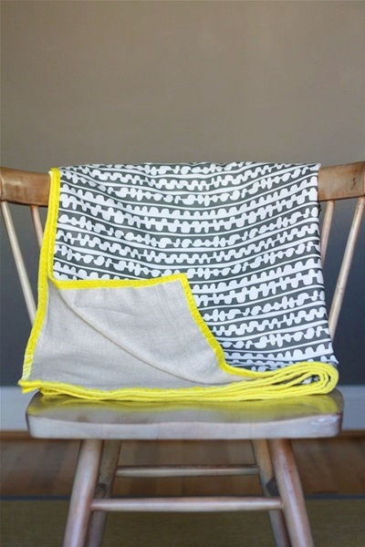 DIY Simple Spring Throw