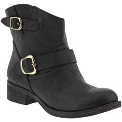 Jessica Alba's black booties