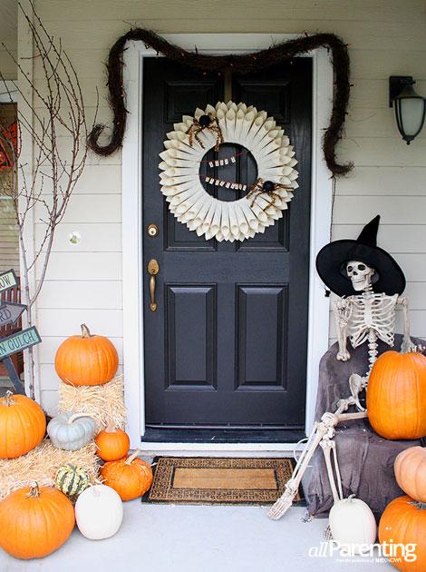 allParenting Halloween entry way