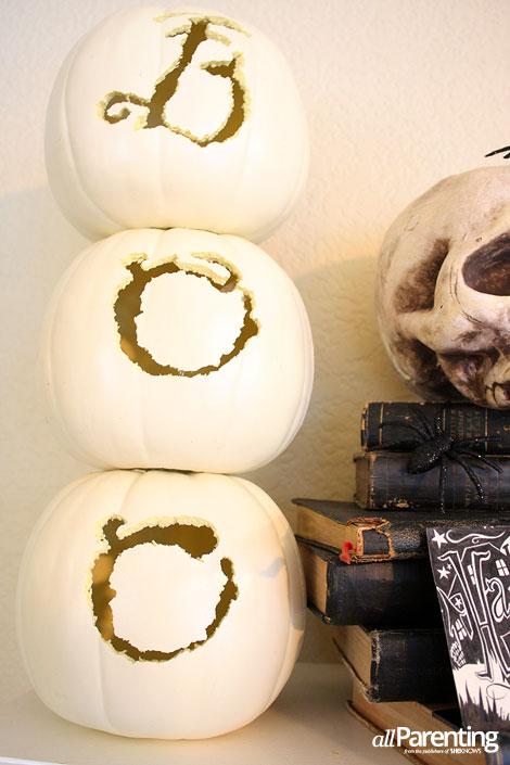 Halloween mantel craft pumpkins