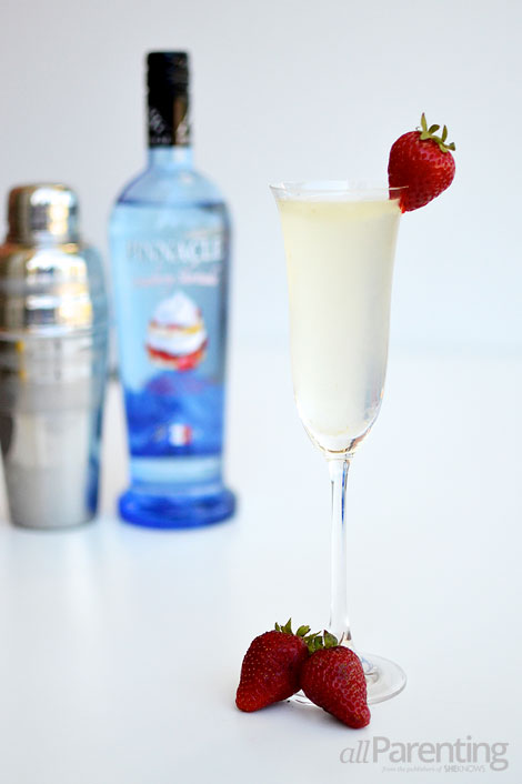 allParenting Strawberry shortcake Champagne cocktail