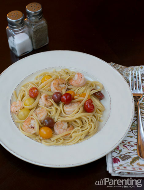 allParenting Shrimp and seared tomato pasta