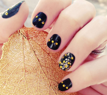 Fall nail art: Gold speckled nails