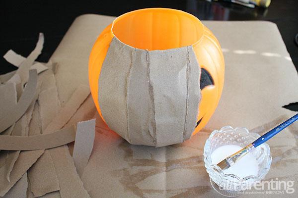 allparenting paper mache pumpkins step 1 - Plastic Pumpkins