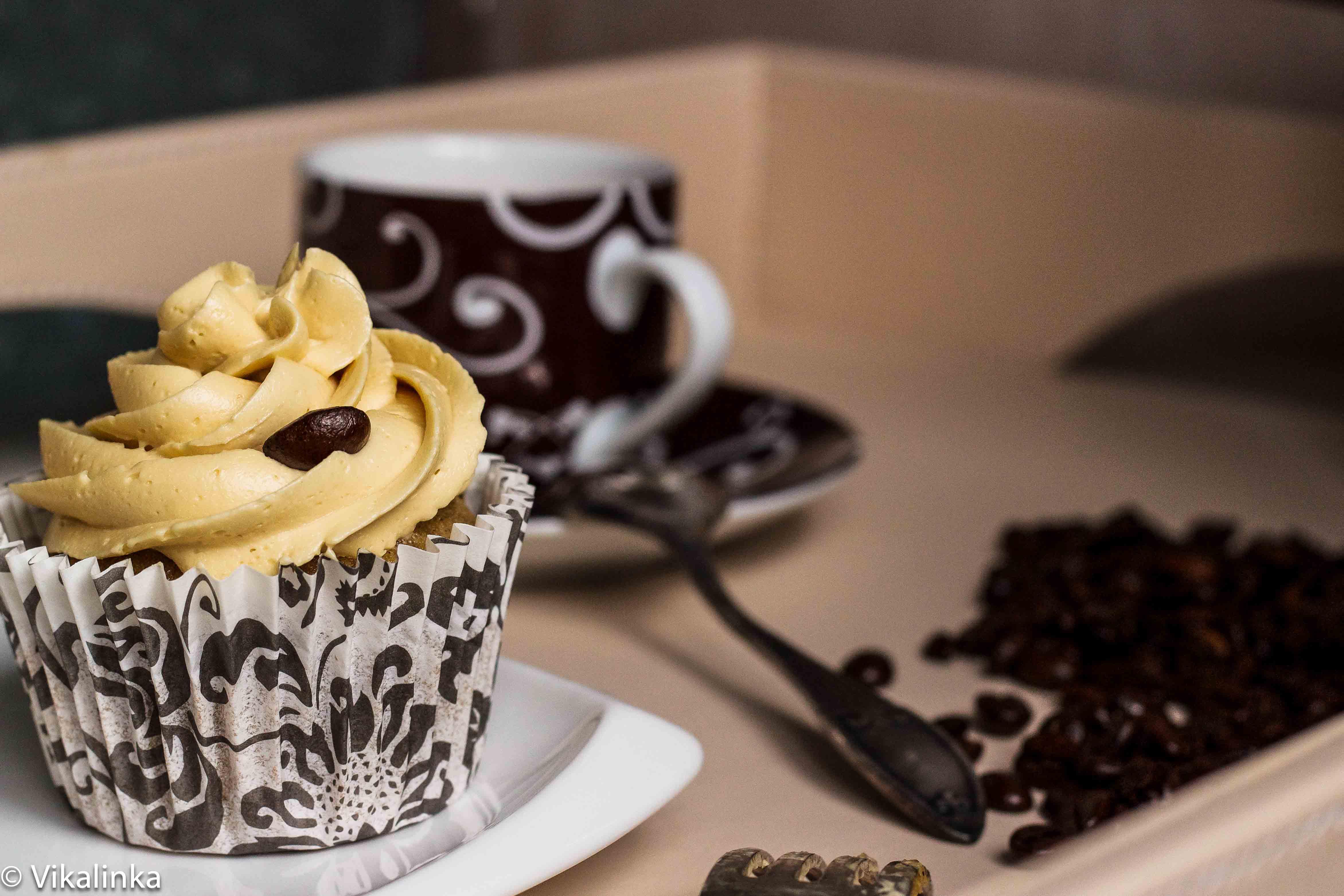 Julia Frey- pumpkin spice latte cupcakes