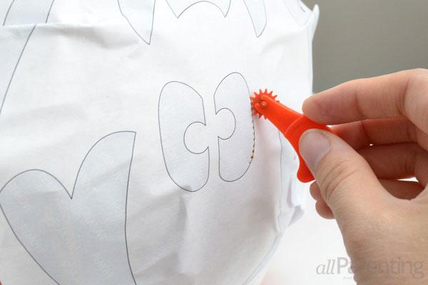 allParenting perfect pumpkin carving step 4