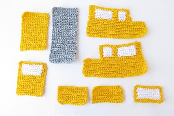 Amigurumi school bus -All bus pieces