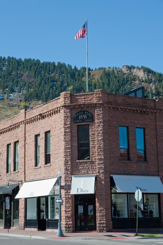 Dior storefront in Aspen