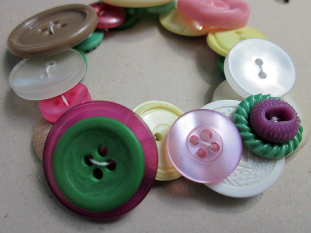 Easy button bracelets