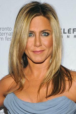 Jennifer Aniston'sdrugstore skin tricks