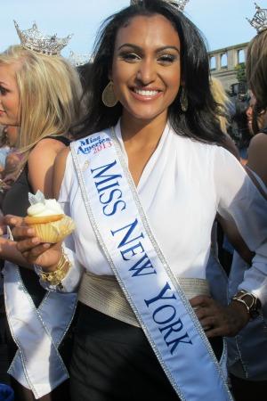 Miss New York Nina Davuluri wins