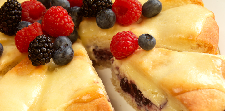 berry cream cheese coffee cake recipe