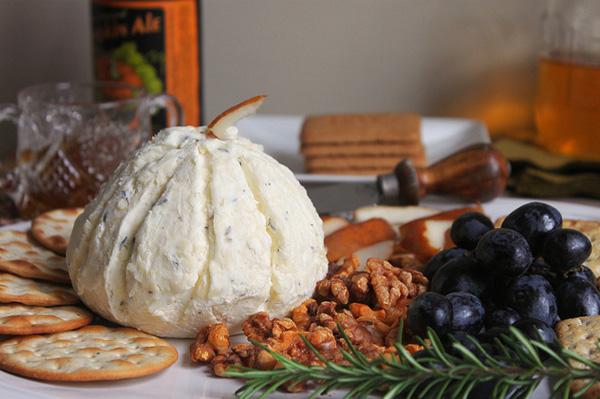 White gourd-shaped cheese ball