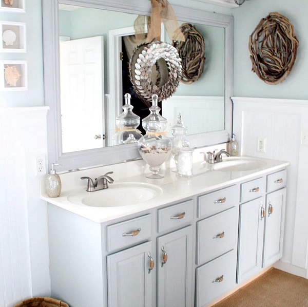 Easy ways to update your bathroom decor