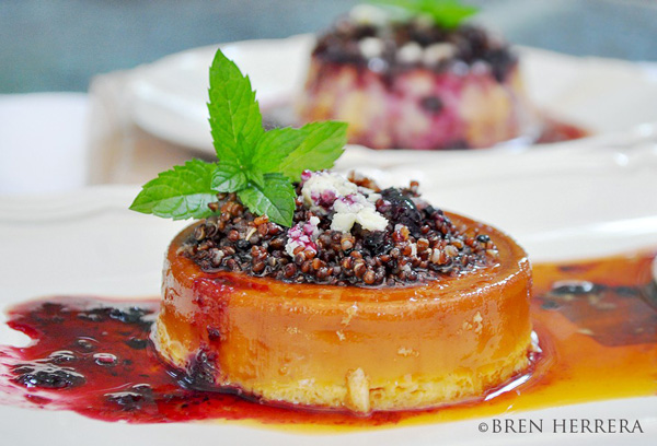 Flan de Quinoa with Goat Cheese and Blueberry Coulis