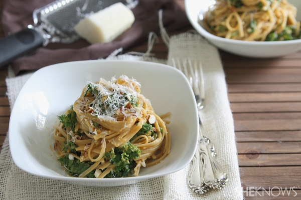 Pumpkin pasta with kale and almonds