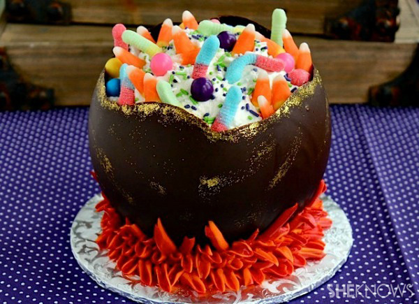 Chocolate cauldron cake